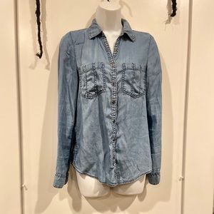 Long sleeve denim fitted button down